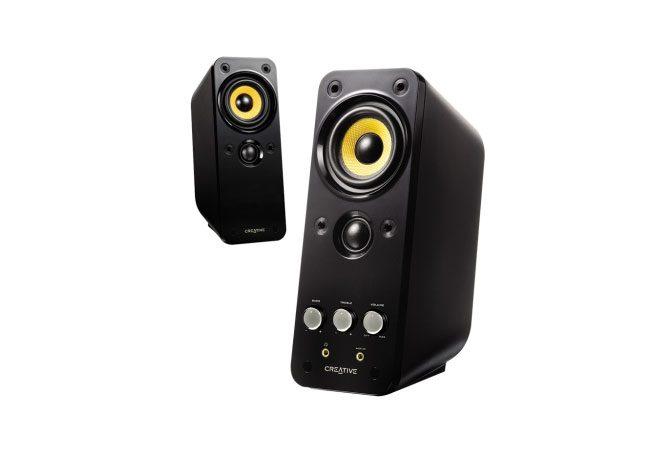 Creative ofera boxe cu numeroase butoane de control si adaptor pentru televizor