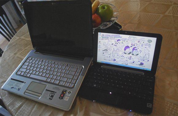 """Laptop-ul de 15.4"""" langa netbook-ul de 10"""""""