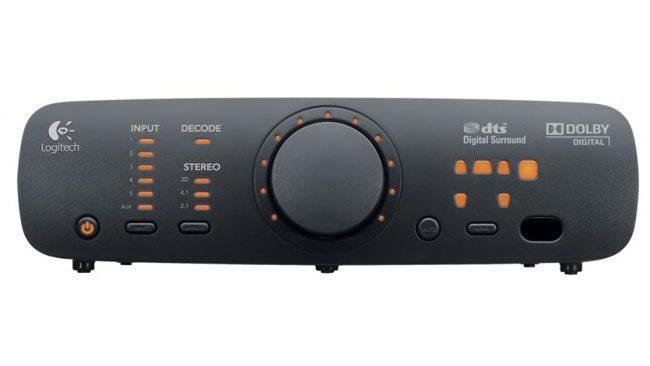 Logitech Z906 are o consola centrala simpla si intuitiva