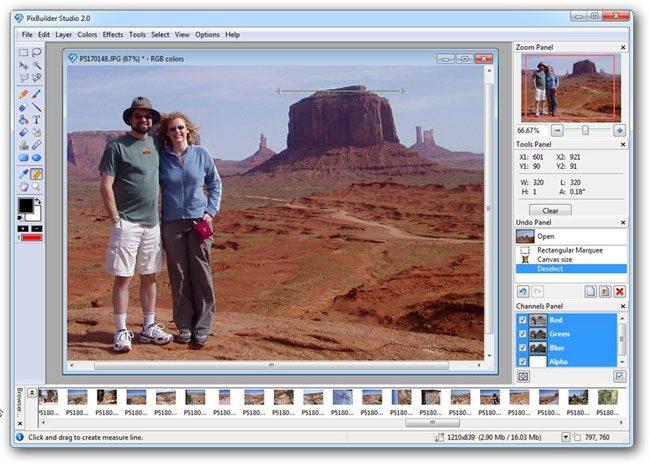 PixBuilder Studio, un program foto cu functii de baza