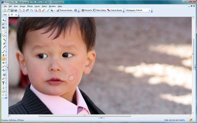 Serif PhotoPlus SE include numeroase efecte