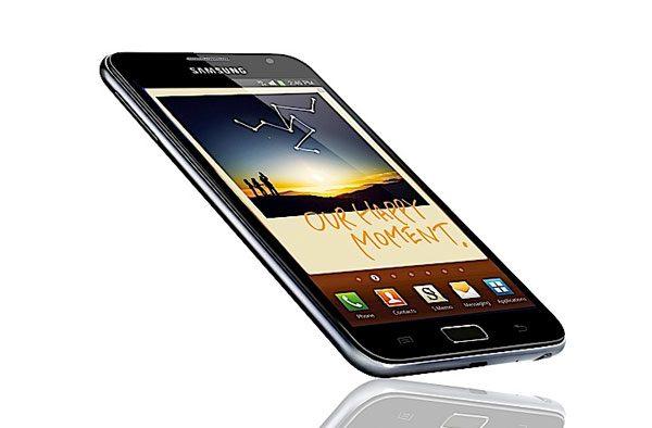 Galaxy Note - la graniţa dintre telefoane şi tablete