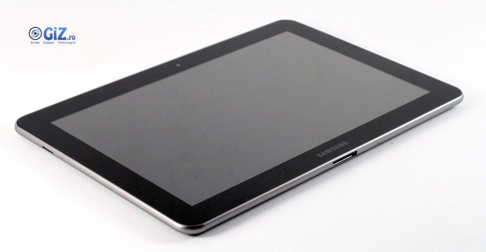 Galaxy Tab-ul este o algere ideală dacă doriţo o tabletă subţire şi arătoasă, cu Android şi 3G