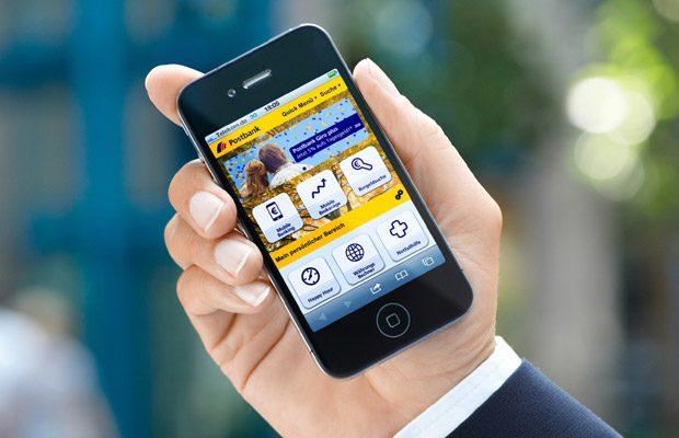 Prin mobile banking ai acces instant la conturile tale