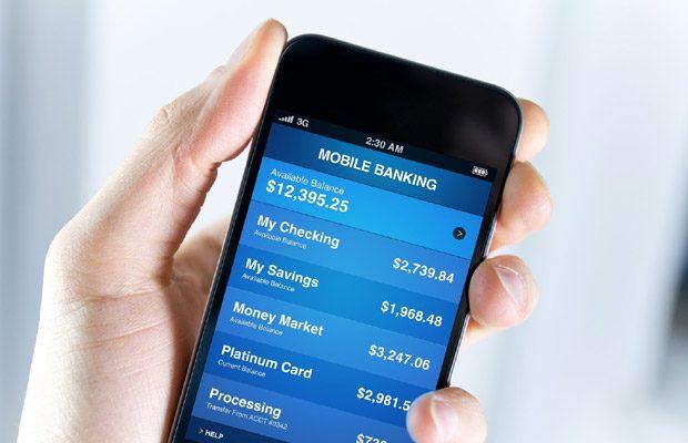 Numarul bancilor care ofera servicii de mobile banking este din ce in ce mai mare