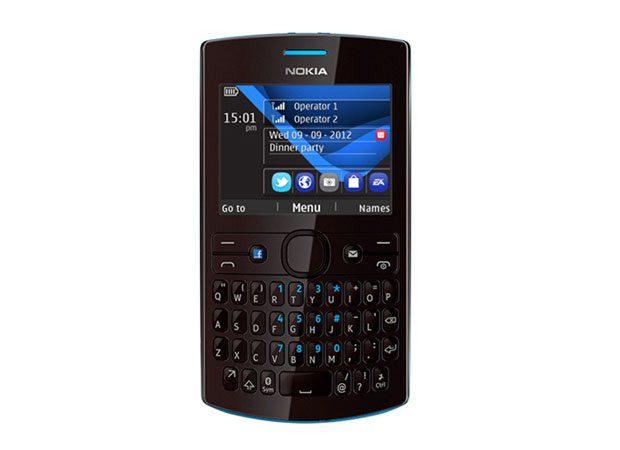 Nokia Asha 205, ideal pentru pasionatii de Facebook cu buget limitat