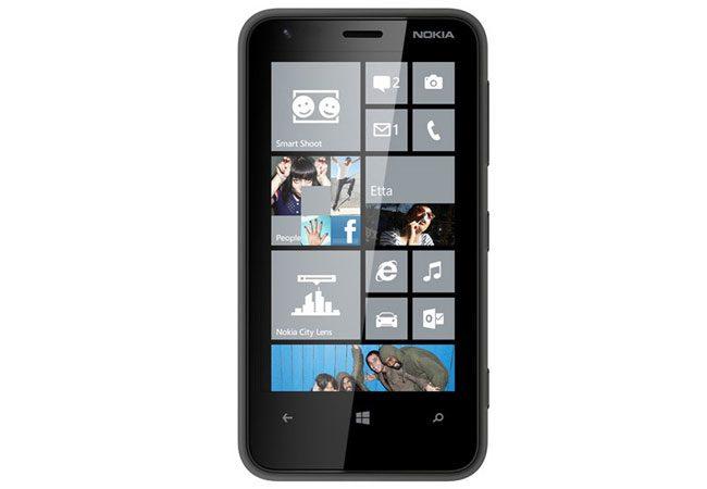 Nokia Lumia 620, un telefon cu dotari de baza pentru fanii Windows Phone