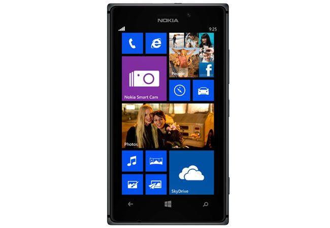 Nokia Lumia 925, un telefon de top cu pret bun