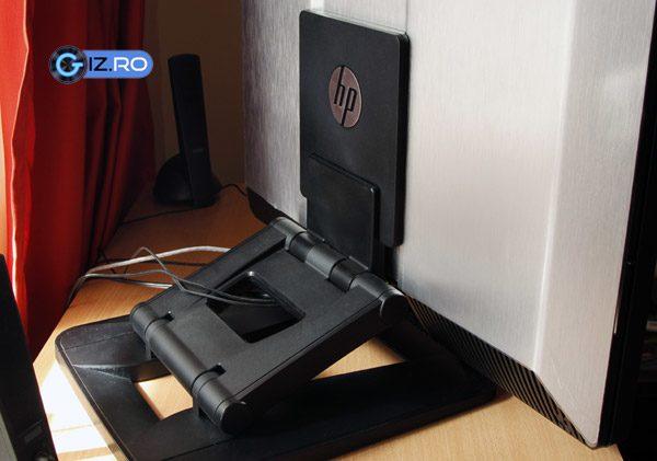 Piciorul Z1-ului este masiv, astfel ca acest workstation va necesita un birou maricel