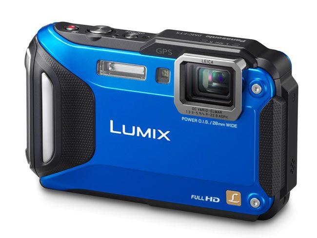 Panasonic are de asemenea in portofoliu o camera foto rezistenta la apa Lumix DMC-FT5A