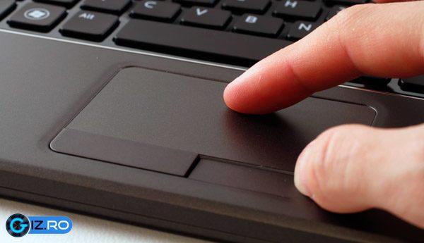 Touchpad-ul insa este excelent
