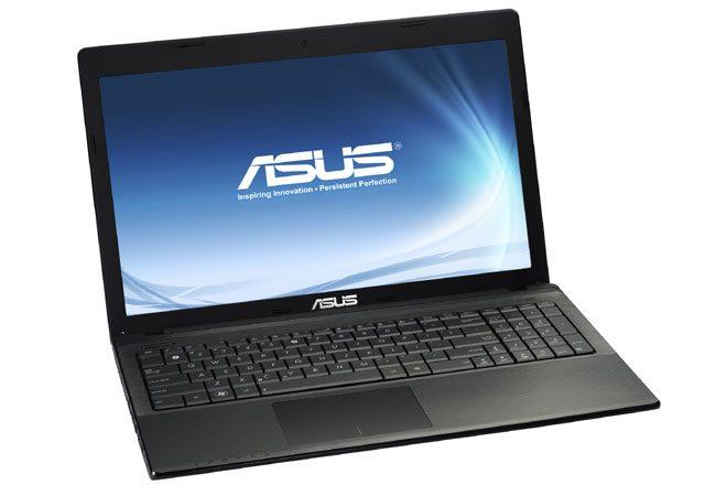 Asus X55A, un laptop ieftin pentru studenti