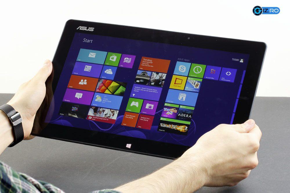 "Cu un ecran de 13"", Transformer Book este dificil de utilizat ca tableta"