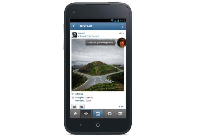 HTC First este puternic personalizat cu aplicatia Facebook Home