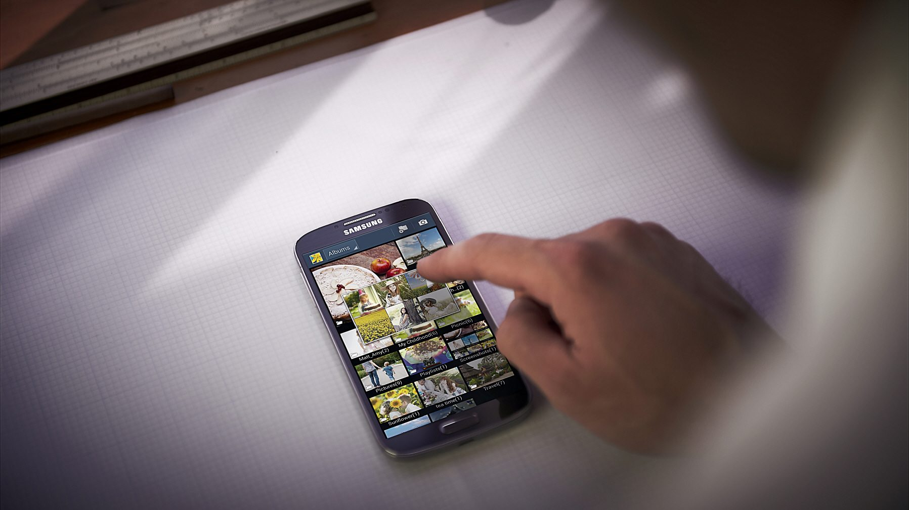 Galaxy S4 include numeroase aplicatii software