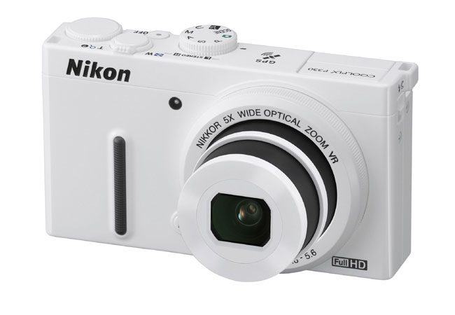 Nikon Coolpix P330, o camera cu design elegant si functie GPS