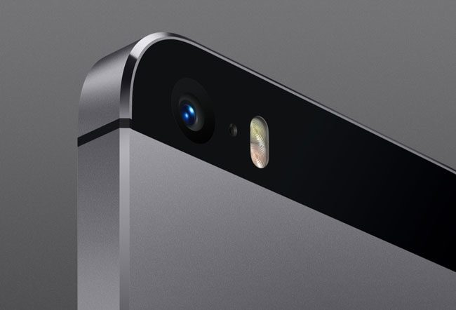 Camera foto a lui iPhone 5 are acum doua LED-uri flash