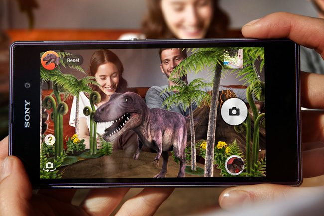 Camera foto de 20.7 MP inregistreaza in format Full HD