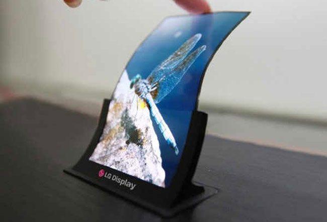 LG este unul dintre producatorii cei mai implicati in dezvoltarea ecranelor curbate si flexibile