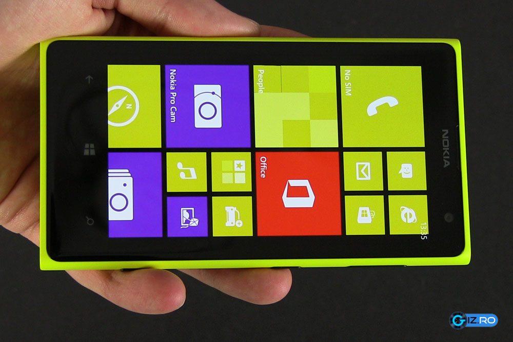 Ecranul lui Lumia 1020 este de calitate