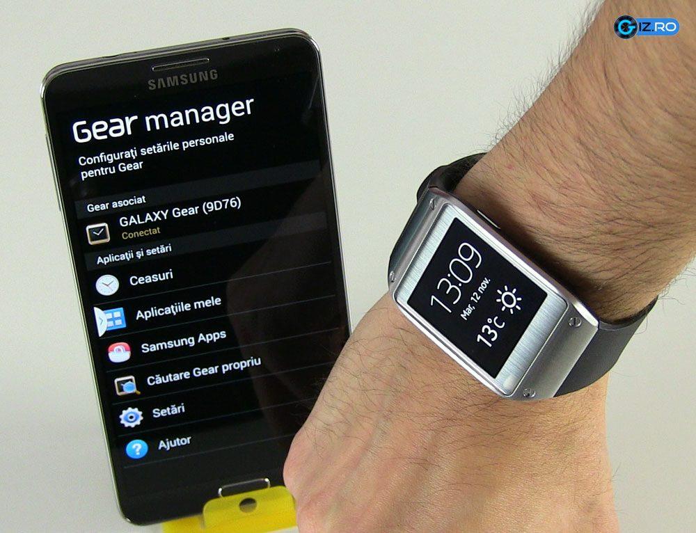 Galaxy Gear se conecteaza usor la smartphone