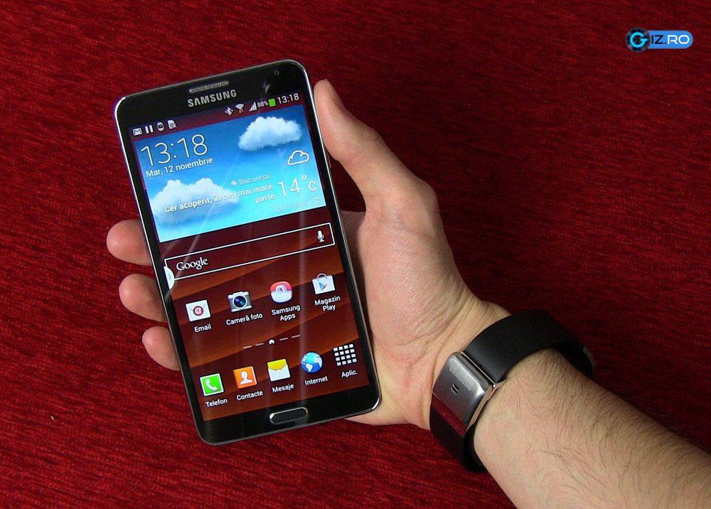 Galaxy Gear functioneaza numai cu anumite smartphone-uri