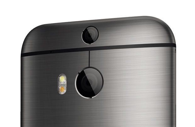 Noul HTC One 2014 are doua camere foto amplasate pe partea din spate