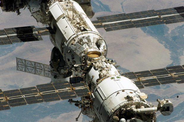 Zvezda a fost primul modul al Statiei Spatiale, amplasat pe orbita in 1998