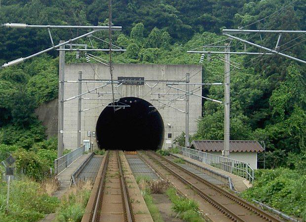 Tunelul Seikan conecteaza doua insule japoneze