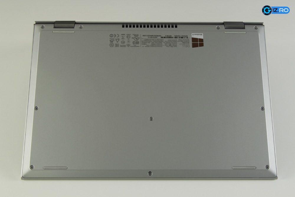 Spatele ultrabook-ului este simplu si elegant