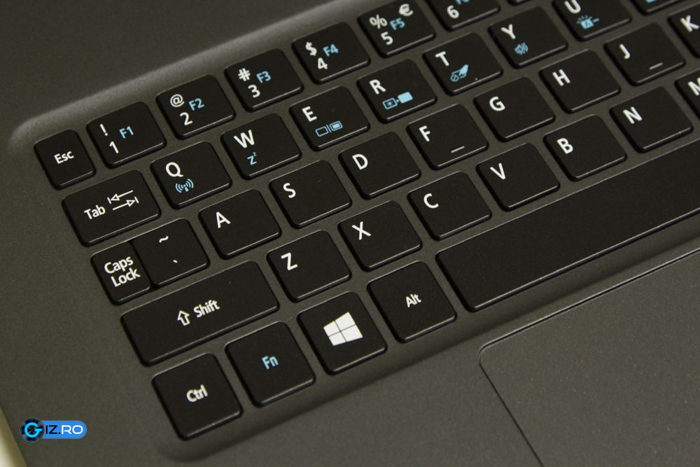 Tastatura are un layout ciudat