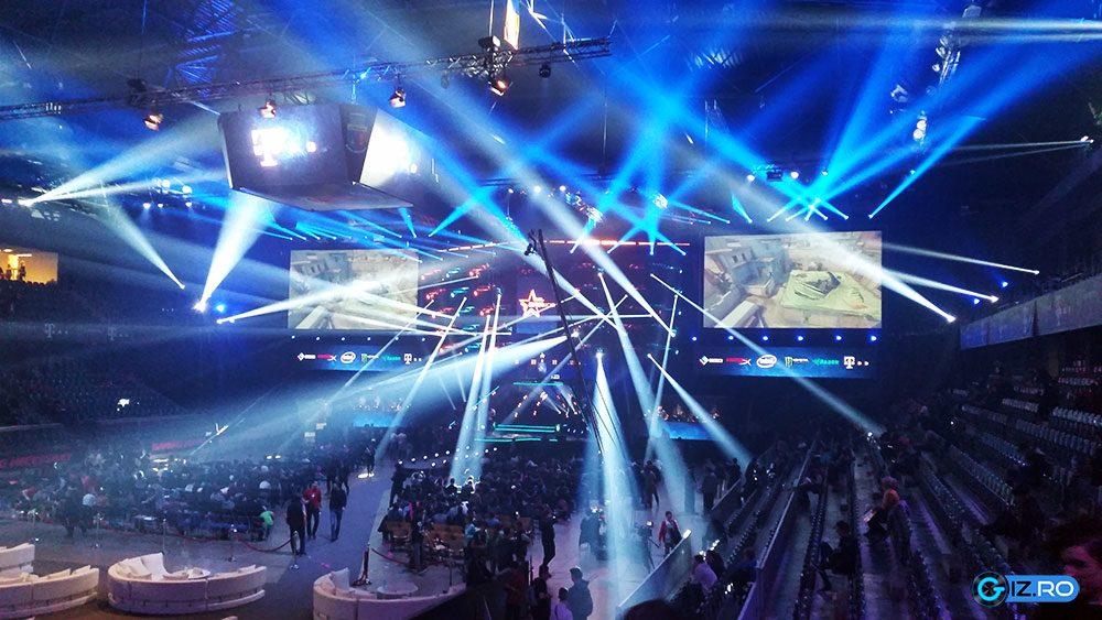 DreamHack Open: spectacol de lumini în Sala Polivalentă