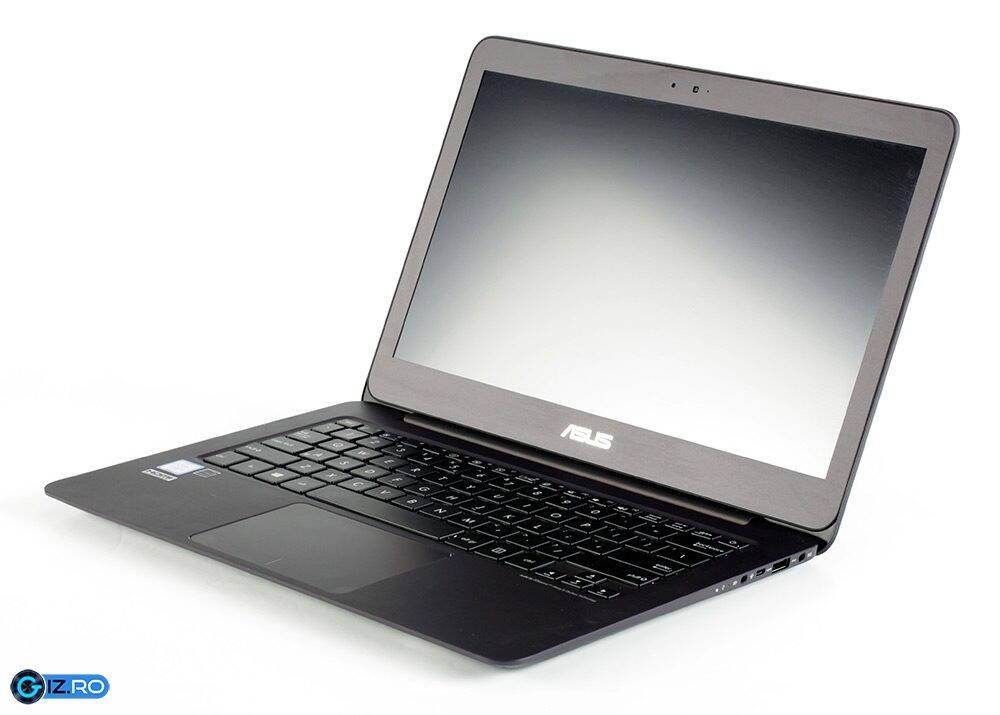Asus Zenbook UX305UA ecran inchis