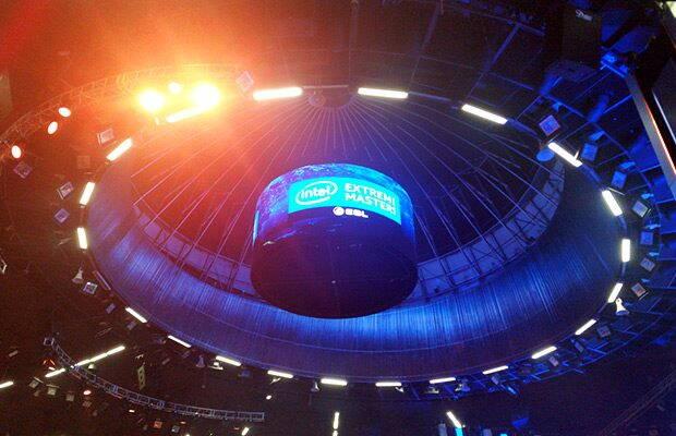 Intel Extreme Masters sau cum nu te joci cu sporturile electronice