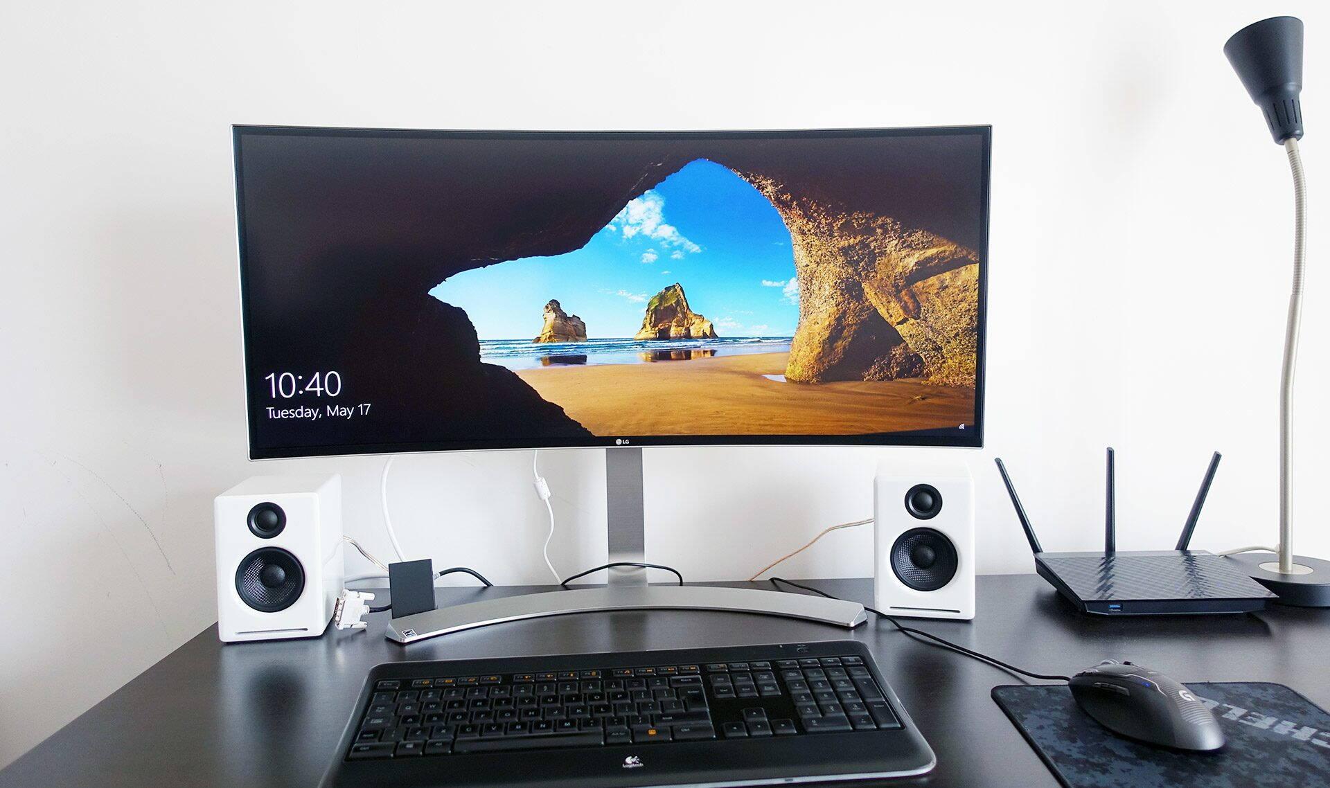 LG 34UC98 - un monitor curbat de 34-inch