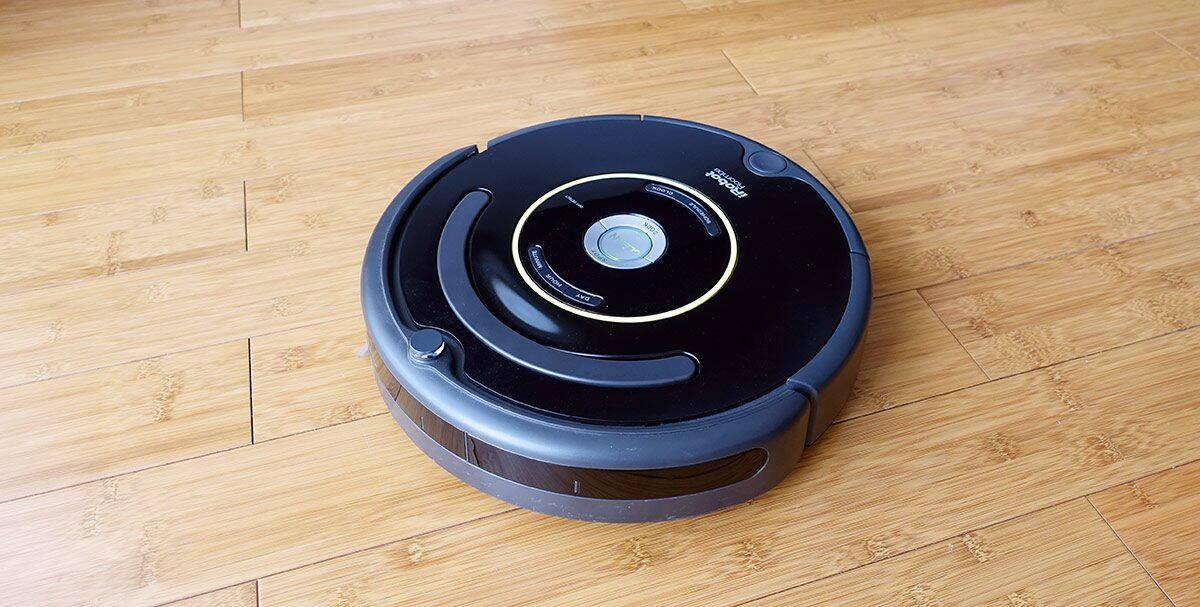 Roomba-ul 650 este cel mai popular aspirator iRobot pe piețele mature