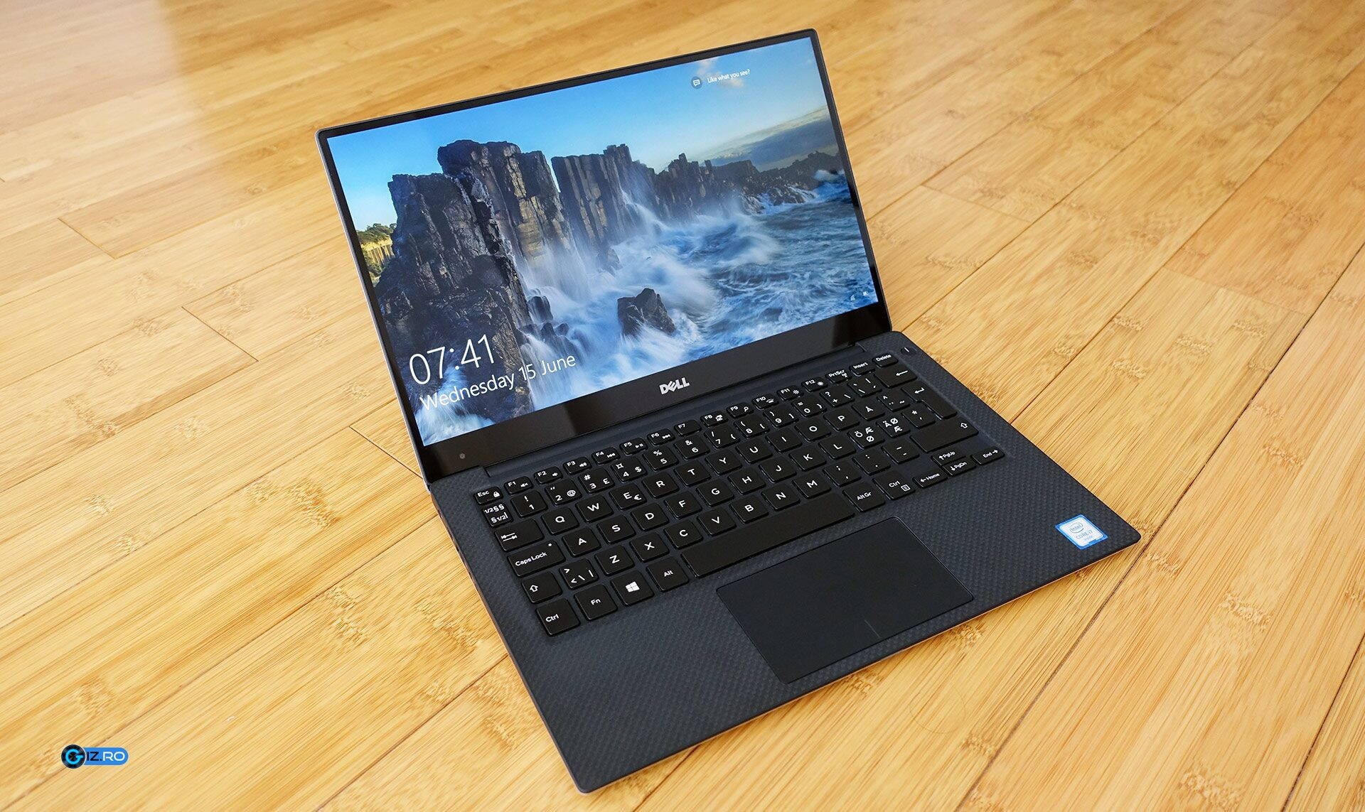 Dell-ul XPS 13 9350 pleacă de la circa 8200 de lei în magazinele românești la momentul acestui articol