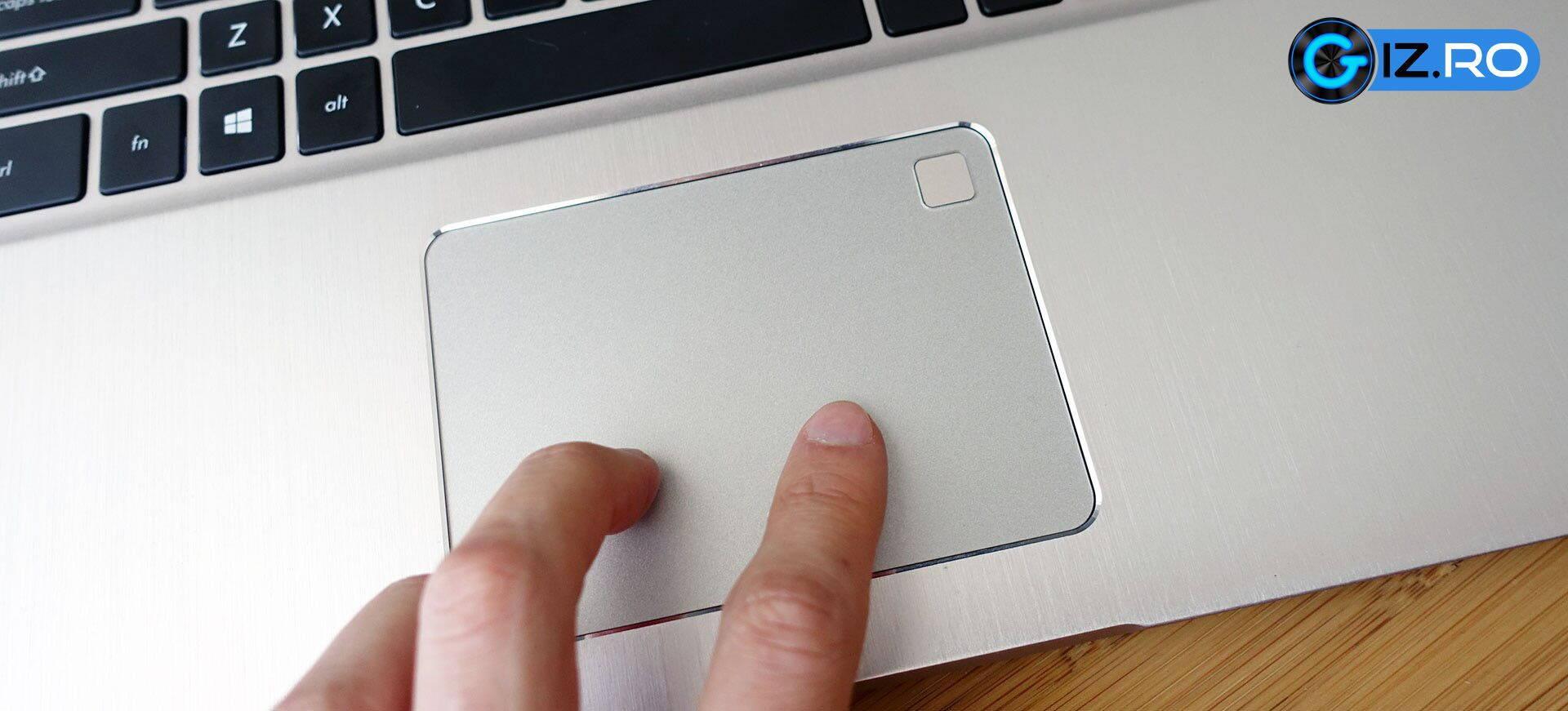 ASUS-Vivobook-Pro-N580-trackpad