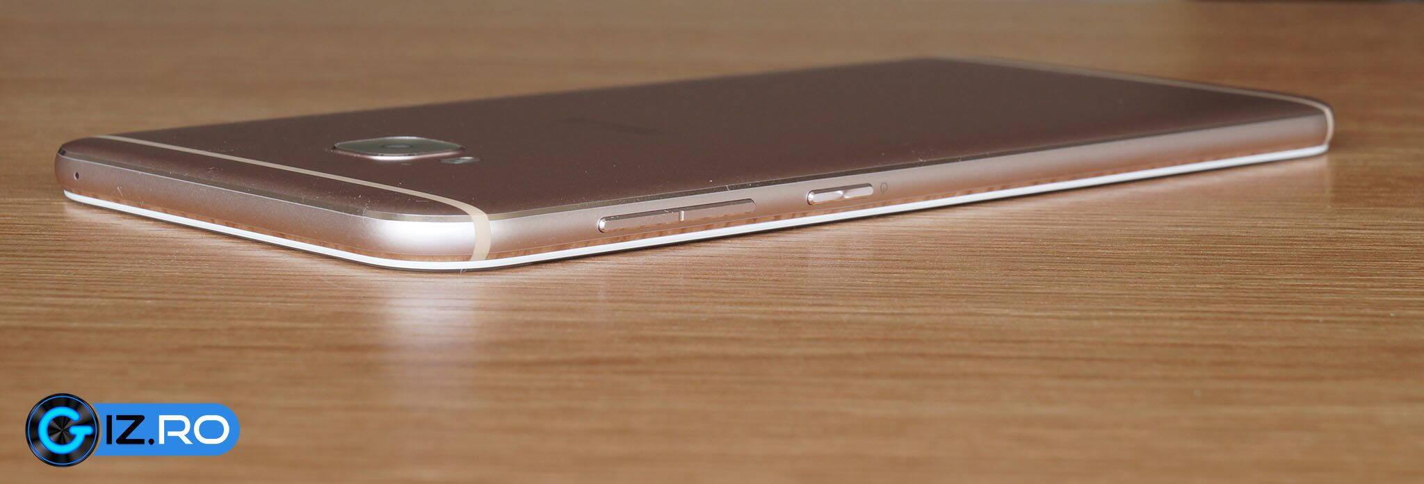 ASUS-Zenfone-4-Selfie-Pro_10