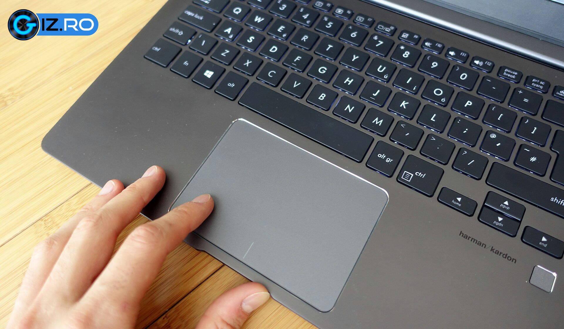 asus-zenbook-13-ux331-screen-trackpad