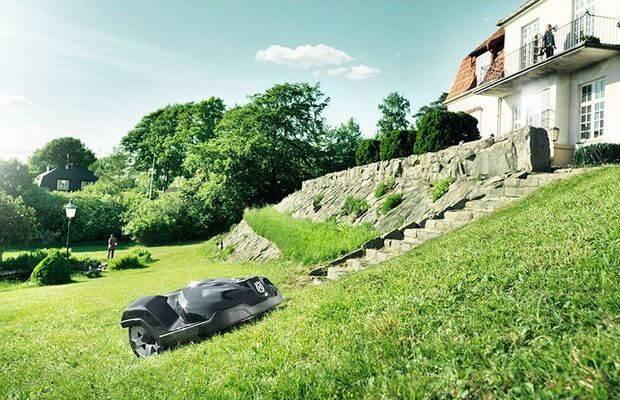 masina-de-tuns-iarba-autonoma