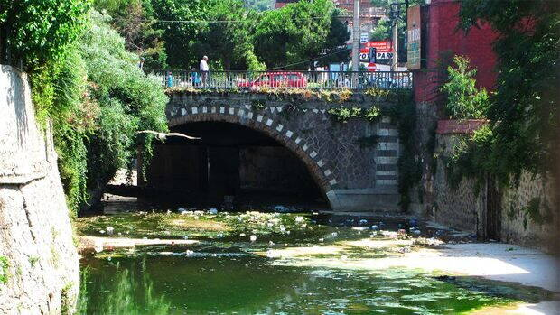 caravan-bridge