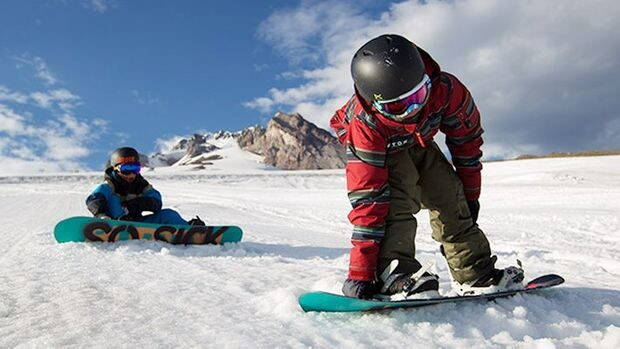 kids-snowboard-hire