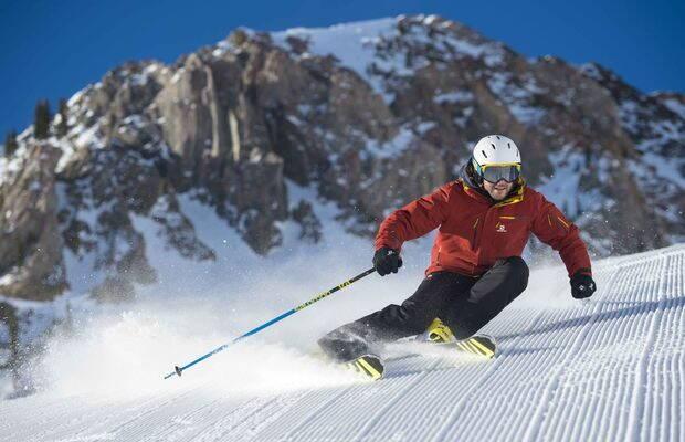 Cum alegi schiuri și clăpari: opțiuni și recomandări pentru începători