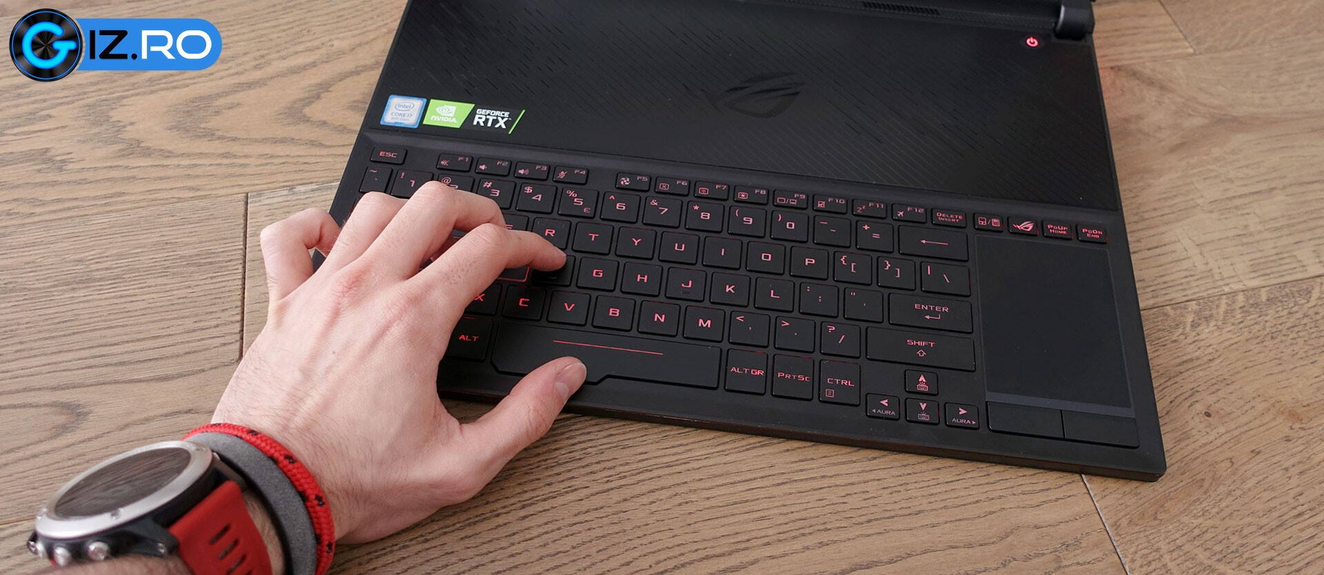 asus-zephyrus-s-gx531-keyboard-clickpad.jpg