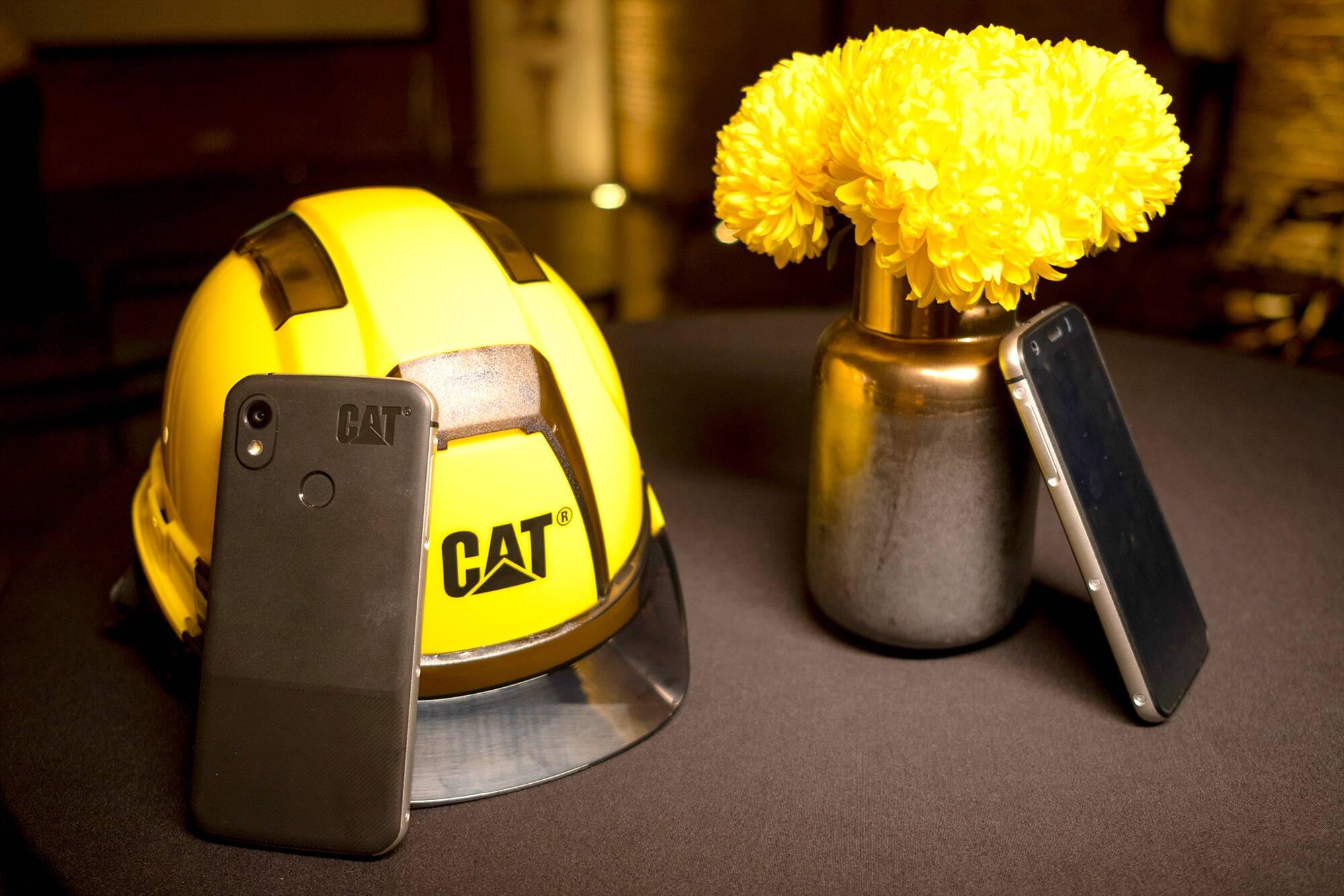 cat s52 featured