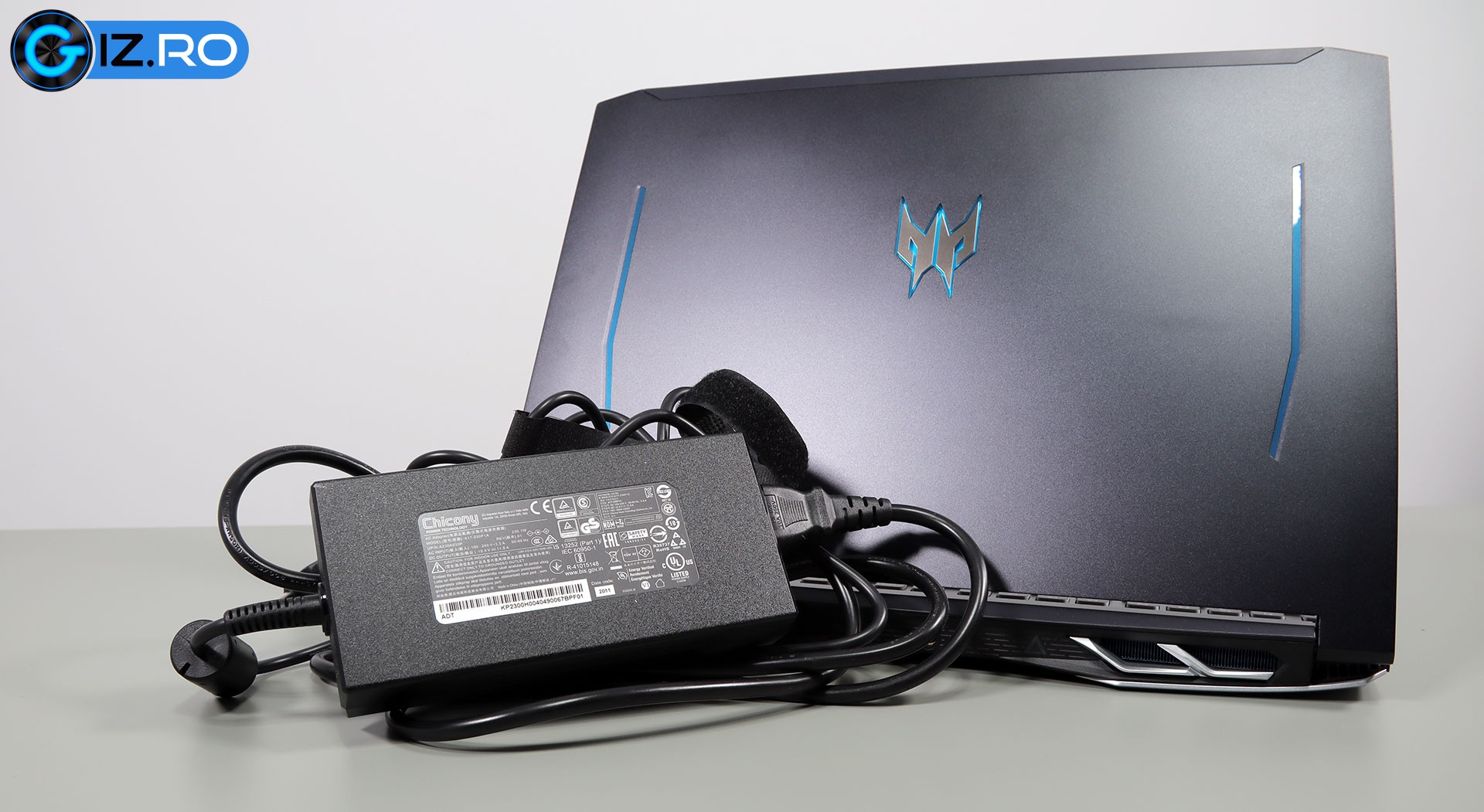 acer predator helios 300 charger